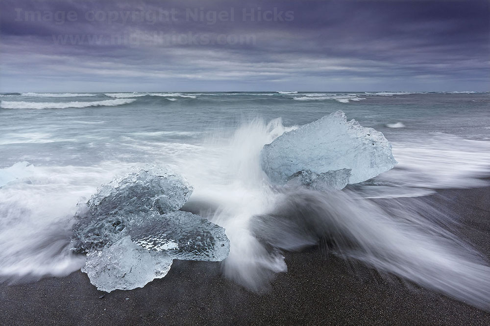 Blurred Motion Photography: Seashore ice in Iceland